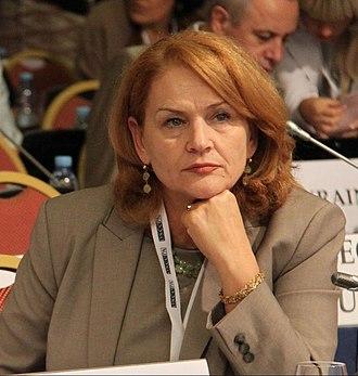 Arta Dade - Image: Albanian delegation (croped)