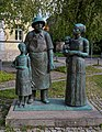 Albert Schweitzer Statue in Weimar.jpg