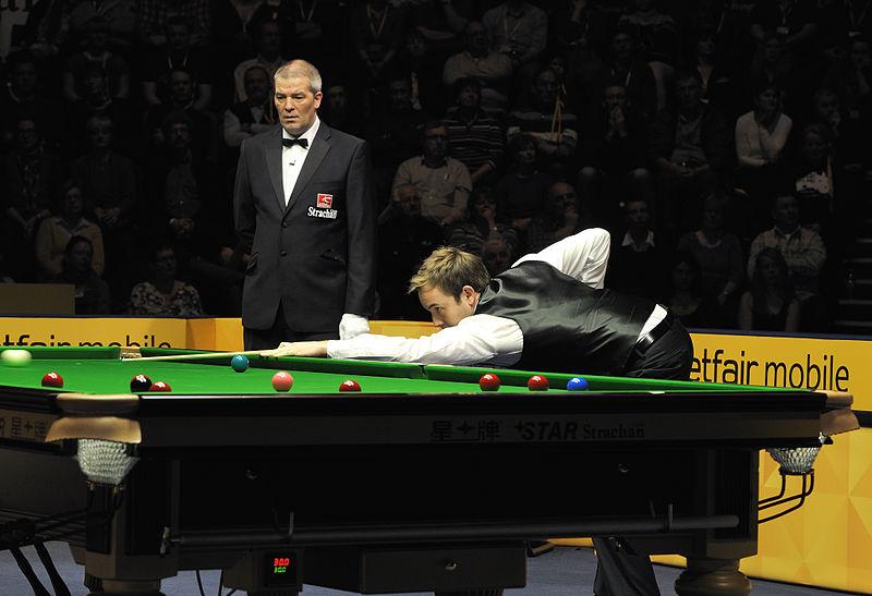 File:Ali Carter and Jan Verhaas at Snooker German Masters (DerHexer) 2013-02-02 03.jpg