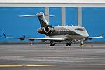 Amira Air, OE-HII, Bombardier Challenger 300 (23840765336).jpg