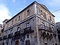 Angolo Facciate Palazzo Manes.jpg