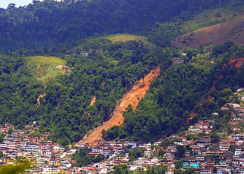 Ficheiro:Angra dos Reis-Morro da Carioca-2010-01-04.jpg