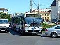 Arad, ulice Laculul, autobus MHD.jpg