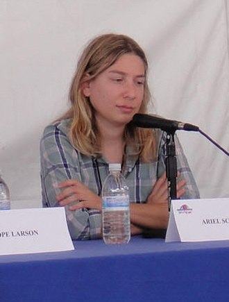 Ariel Schrag - Ariel Schrag at the WeHo Book Fair 2010