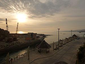 Mollendo - Image: Atardecer Puerto Mollendo