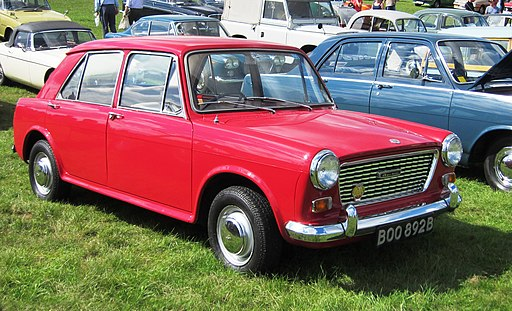 Austin 1100 MkI registered 1964 1098cc photographed at Knebworth 2012