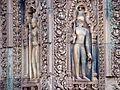 Banteay Srei - 035 Guardian (8582603090).jpg