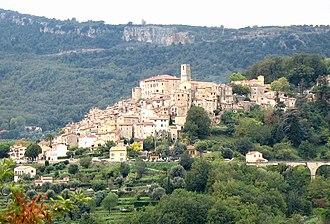 Le Bar-sur-Loup - A general view of the village