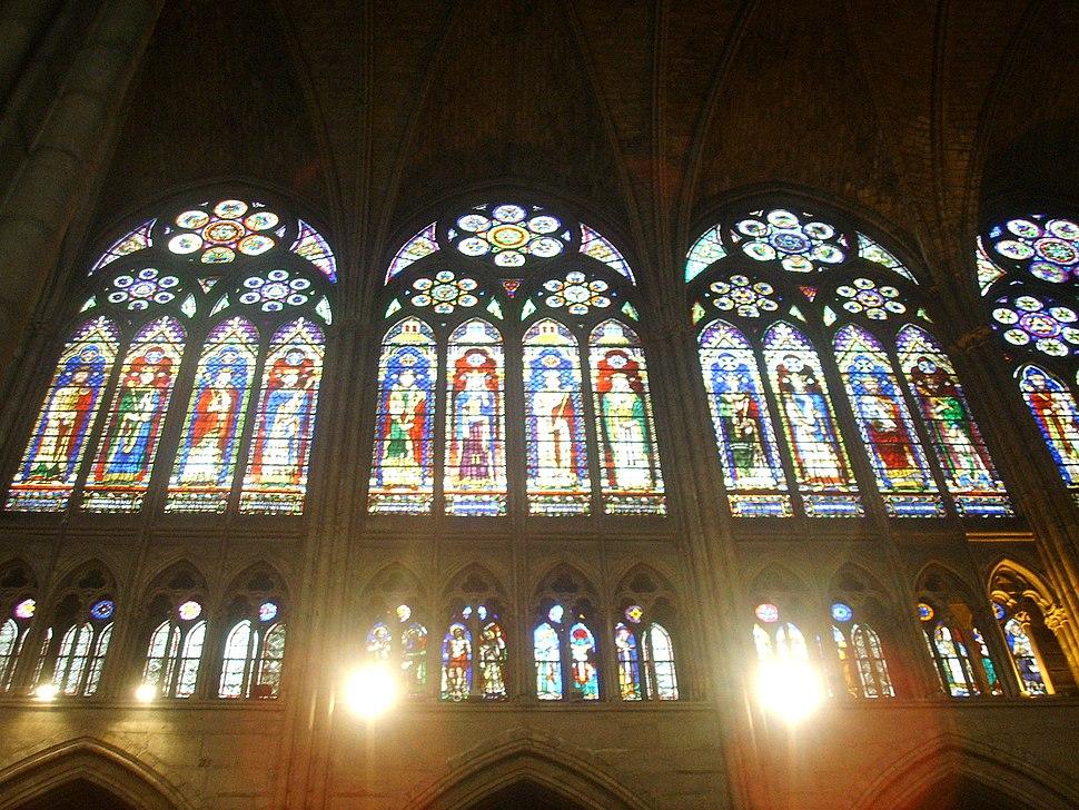 Basilica di saint Denis vetrata 01