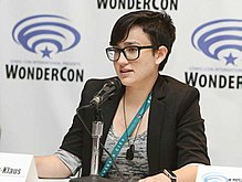 Bex Taylor-Klaus speaking at Wondercon in 2017.jpg