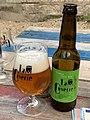 Bière La Cuverie (IPA) bouteille et verre à Irancy (juin 2020).jpg