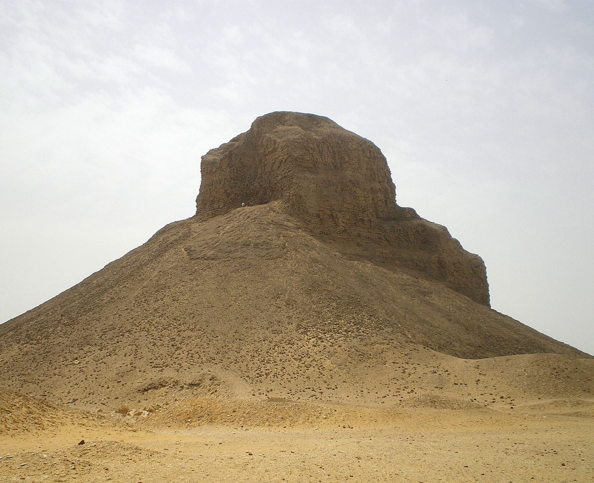 Pyramid of Amenemhat III (Dahshur) - Wikipedia