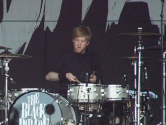 Bob Bryar - Bryar performing in February 2007