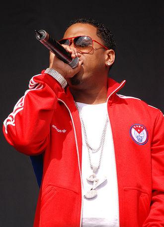 Bobby V - Bobby V performing at a concert in 2007