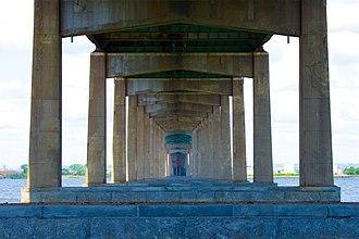 Newark Bay Bridge - Image: Bottom of the Newark Bay Bridge
