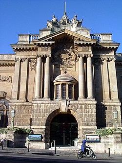 Bristol city museum and art gallery.jpg