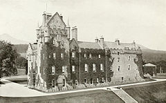 Brodick Castle James Valentine.jpg