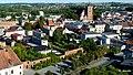 Brodnica, Polska . Widok z wieży zamkowej. Przy parkingu widoczny dawny mur miejski - panoramio.jpg