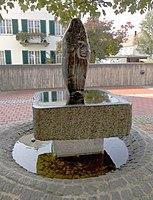 Brunnen Kirche Maria Himmelfahrt München.jpg