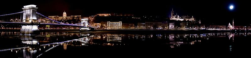 Datei:Budapest panorama by night.jpg