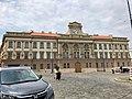 Budova Bývalých Hradcanských Kasaren, Hradčany, Praha, Hlavní Město Praha, Česká Republika (48790992316).jpg