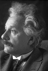 http://upload.wikimedia.org/wikipedia/commons/thumb/e/ea/Bundesarchiv_Bild_102-10447%2C_Albert_Einstein.jpg/200px-Bundesarchiv_Bild_102-10447%2C_Albert_Einstein.jpg