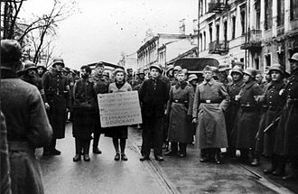 Belarusian resistance during World War II - Masha Bruskina with fellow resistance members before hanging, Minsk, October 26, 1941.