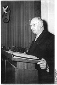Bundesarchiv Bild 183-19452-0001, Berlin, CDU-Hauptvorstand, Festsitzung Geburtstag Nuschke.jpg