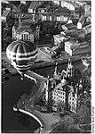 Bundesarchiv Bild 183-1990-0405-035, Schwerin, Schloss, Heissluftballon.jpg