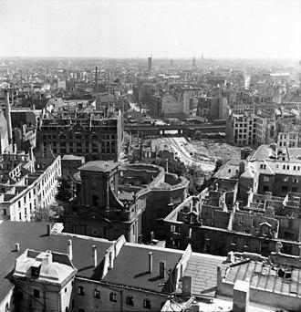 Parochialkirche - Image: Bundesarchiv Bild 183 S75801, Berlin, Blick auf die zerstörte Stadt