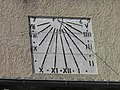 Cadran solaire (Beaumes-de-Venise).jpg