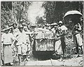 Cameroun - Bille d'Acaju sur wagon Decauville.jpg