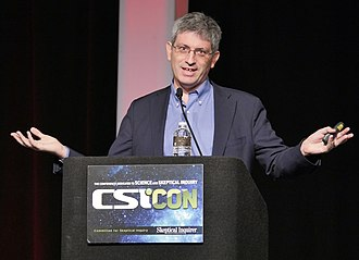 Carl Zimmer - Image: Carl Zimmer CSI Con 2018 She Has Her Mother's Laugh the Powers, Pervsersions, and Potential of Heredity 2