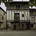 Casa de Doña Sancha. Covarrubias (Burgos).jpg