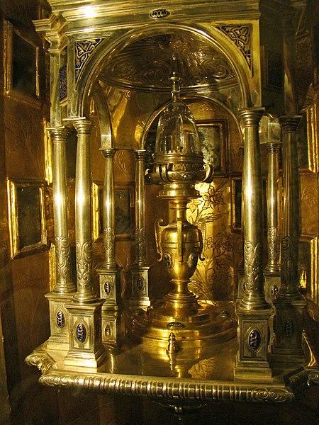File:Castromonte monasterio Santa Espina iglesia reliquia santa Espina ni.jpg