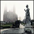 Catedral de La Plata con niebla.jpg