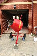 pompa per calcestruzzo betoniere e mescolatori x malte e calcestruzzi 150px-Cement_mixer2