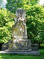 Château de Chantilly, petit parc, monument du prince Henri.jpg