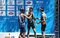 Champan para los vencedores (4682212299).jpg
