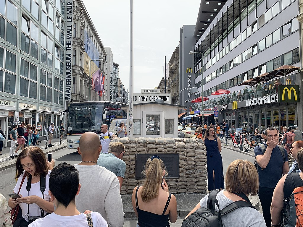Checkpoint Charlie 03