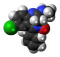 Chlordiazepoxide molecule spacefill.png