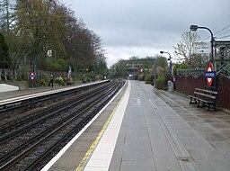 Chorleywood station look south2