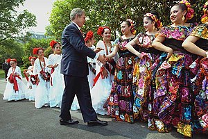Cinco de Mayo - Cinco de Mayo dancers greeted by U.S. President George W. Bush