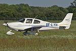 Cirrus SR20-G2, Private JP5979582.jpg