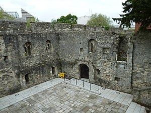 King John's Palace, Southampton - Image: City walls as seen from the Tudor House Museum (II)