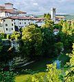 Cividale del Friuli Blick von der Teufelsbrücke auf die Altstadt & den Natisone 3.JPG
