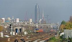 Clapham Junction railway station MMB 29 455915.jpg