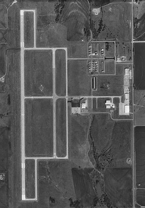 Clarence E. Page Municipal Airport - USGS 19 Feb 1995.jpg