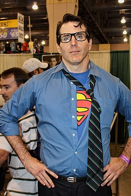 Clark Kent cosplayer.jpg