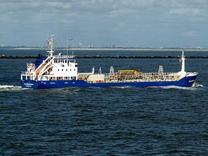 Clearwater p3 approaching Port of Rotterdam, Holland 10-Aug-2005.jpg